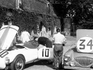 <h5>NOJ393 at Le Mans 1953</h5><p>In the front nr. 34 which is the 392 and in the background nr. 33 which is the 391. Nr. 10 in the front is one of the Nash Healeys. It left the race after 2 hours. The other Nash healey nr 11 finished in 11th position. Photo has never been published before</p>